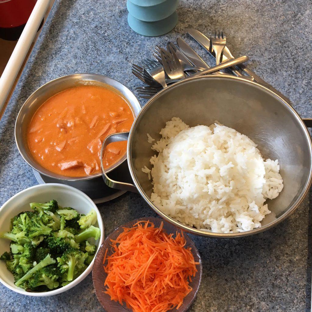 Hemlagad korv stroganoff med ris