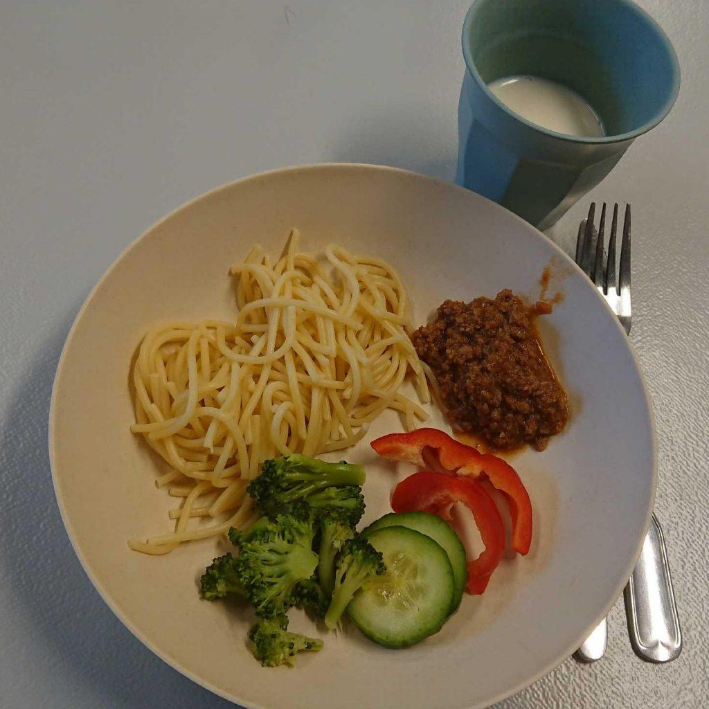 Hemlagad spagetti och köttfärssås